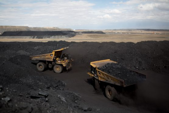 operations-inside-erdenes-tavan-tolgoi-llc-coal-deposit-555x370