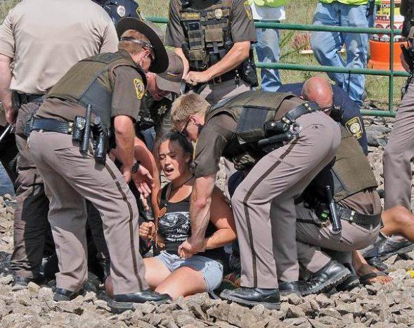 pipeline-protest-arrest