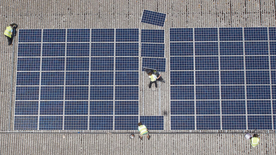 3068125-poster-p-1-step-aside-fossil-fuels-solar-now-provides-twice-as-many-jobs-as-the-coal-industry