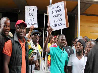 Students at the University of Johannesburg protesting at the underfunding of NSFAS.
